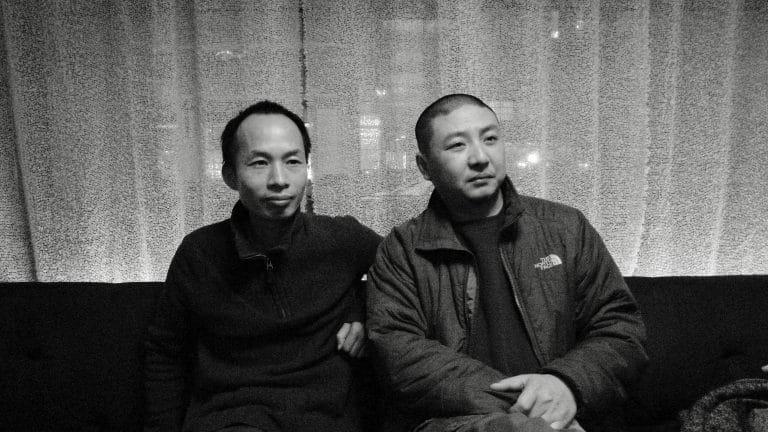 纪录片导演徐辛和独立电影策展人朱日坤,酒吧,纽约,2011