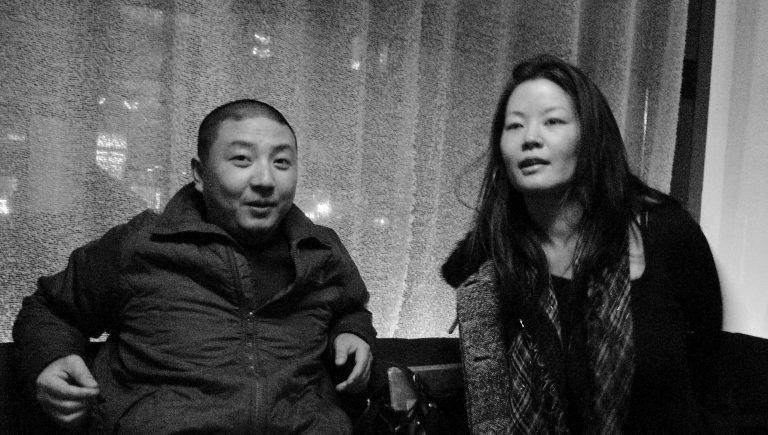 纪录片导演徐辛与dGenerate Films总监Karin Chien,酒吧,纽约,2011