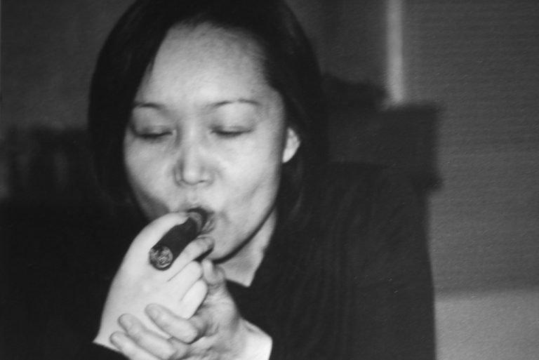 Caspard的女朋友在《我们害怕》(2002)中扮演自己,上海,2002