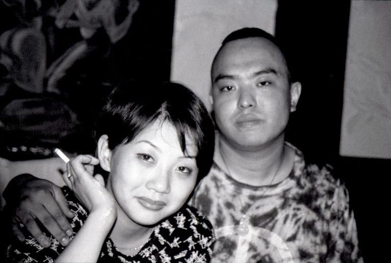 中国摇滚音乐人与中国歌手女友,北京,2000年